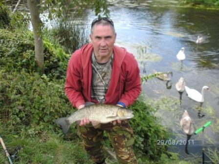 Andy Clarke with his new PB Chub at 6lb 7oz