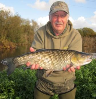 The author of these great reports Brian Willson with a 6lb 13oz chub. Nice one Brian!