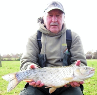 Our hero Brian Willson shows he doesn't just talk fishing, with a chub of 5lb 5oz