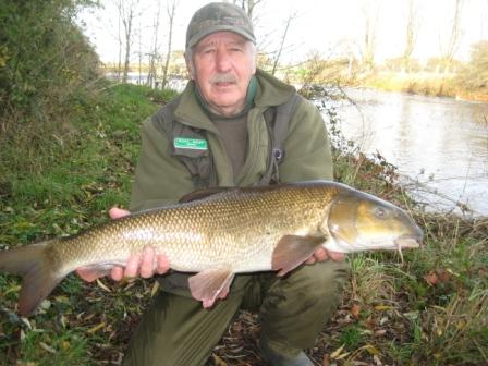 RDAA Bailiff & Legendary writer of the Throop Report Brian Willson showing that, when he is not sitting behind a computer screen, he can still actually catch barbel with this lovely 10lb 4oz example