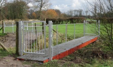 Finally the new bridge installed on th fishery