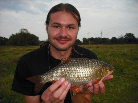 A nice 1lb 6oz roach landed by Luke.