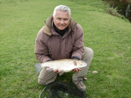 Peter Foreman with his new PB chub which weighed 7lb 2oz.