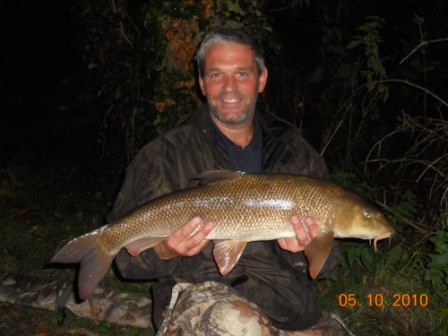 Russ Chandler with a 9lb 12oz barbel