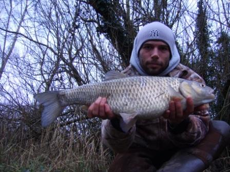 Scott Gilfoy with a fantastic 7lb 8oz chub