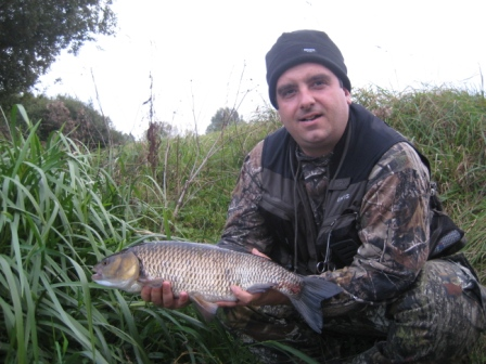 Rick Willson with a 5lb 8oz chub that was considerably bigger than the 5lb 7oz chub caught by Throop Bailiff and writer of these reports, Brian Willson. hehehe