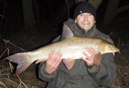 Steve New with a 9lb barbel landed at last knockings