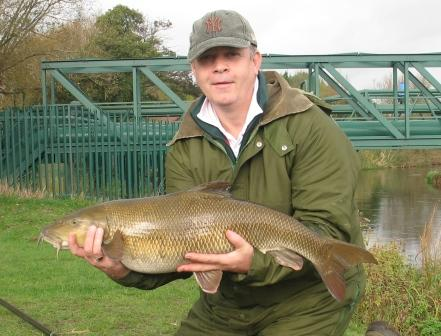 Brian Greed with the new Royalty Record barbel weighing 16lb 7oz