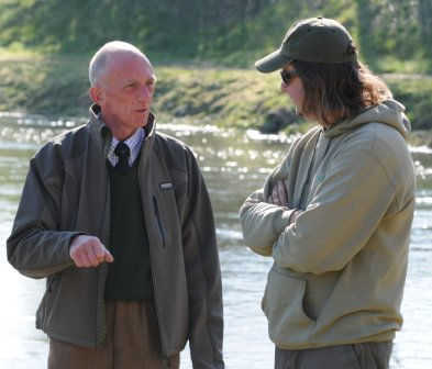 Dave Burgess introduces Martin Bowler to the art of salmon fishing