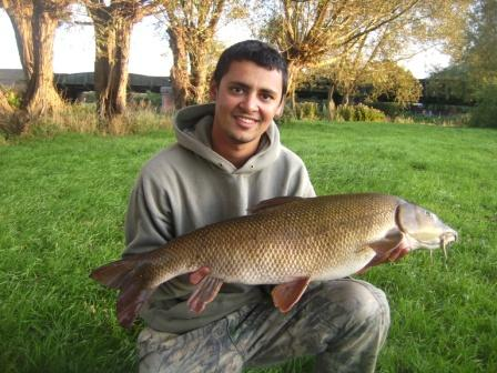 Ahmed rounded off the previous days excitement with yet another barbel weighing over 13lbs - this one went 13lb 4oz
