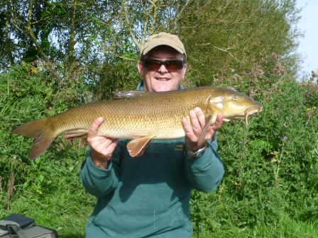Andy Shanks and his 10lb 15oz barbel
