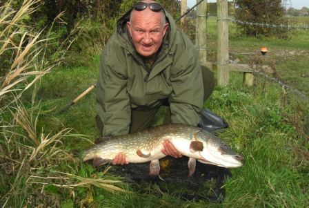 Bob Watts with his new PB pike of approx. 26lb