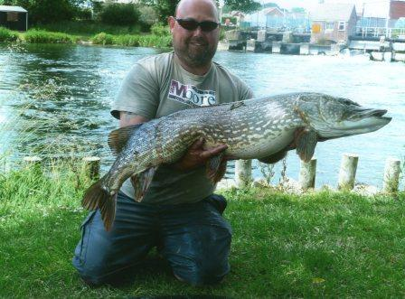 Darrell Pike with his accidental capture of a 27lb 5oz out of season pike