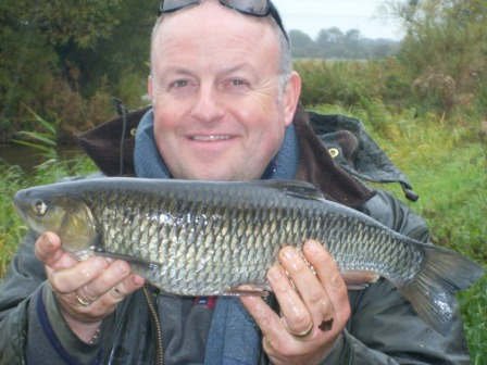 Gary Truelove and a 4lb 4oz chub
