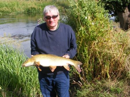 Greig Redmond and a nice clean 10lb Royalty barbel