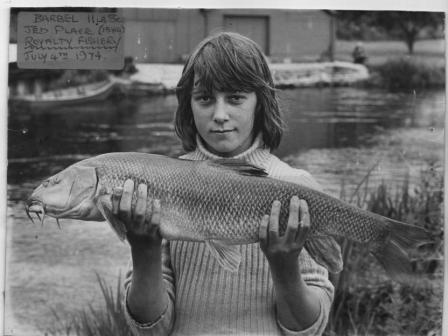 Jed Place with a 11lb 8oz barbel landed on 4th July 1974