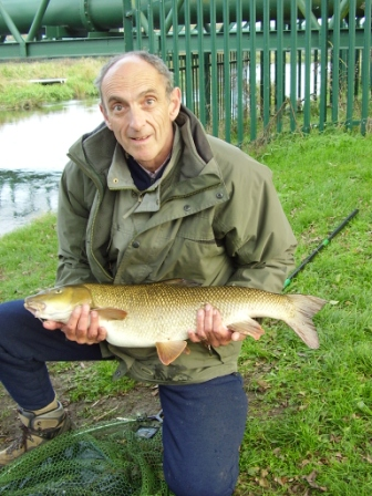 Keith Powell with a 10lb 12oz barbel from the Stumps