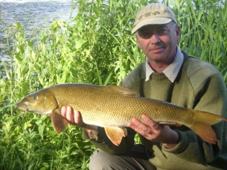 Mike Drinkwater with an opening day 9lb 7oz barbel